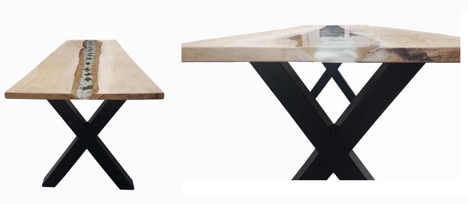 Tisch mit montiertem Untergestell
