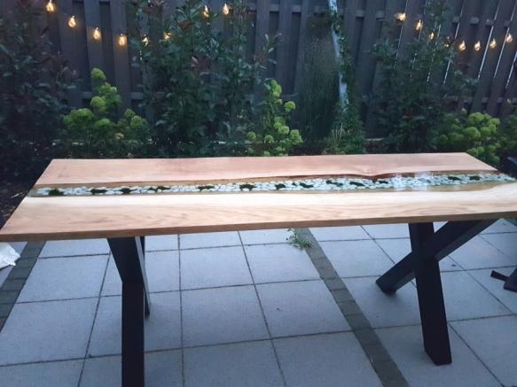 Tisch mit Epoxidharz (Gießharz) herstellen veredeln
