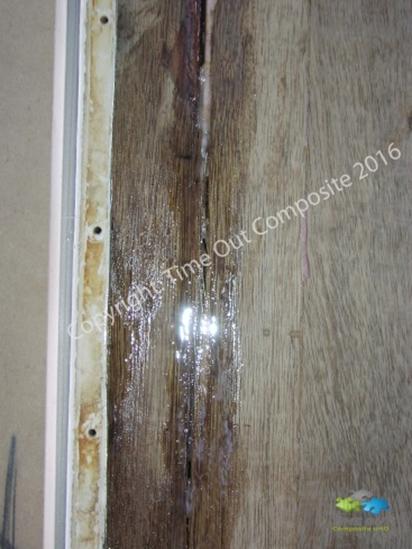 Wohnwagen Reparatur Löcher Unebenheiten Bespachteln
